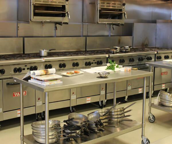 http://tiptonequipment.com/wp-content/uploads/2017/11/buying-used-kitchen-equipment-feat.jpg